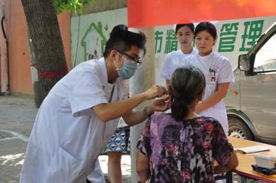 希福医院护士让市民在家就能了解健康知识